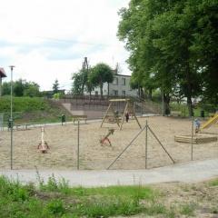 Budowa placu zabaw w mieście Kisielice